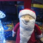Weihnachtsmann im Schaufenster bei Numero 16