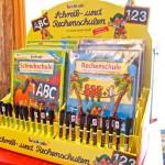Display mit Schreib- und Rechenschulen von Lutz Mauder