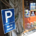 Numero-16-Spielzeugladen-Parkplatz-1